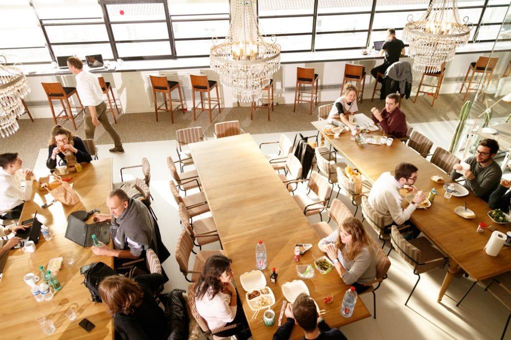 La cuisine de Now lyon est à votre disposition, cuisiner sur place ou apporter votre déjeuner, à vous de choisir !